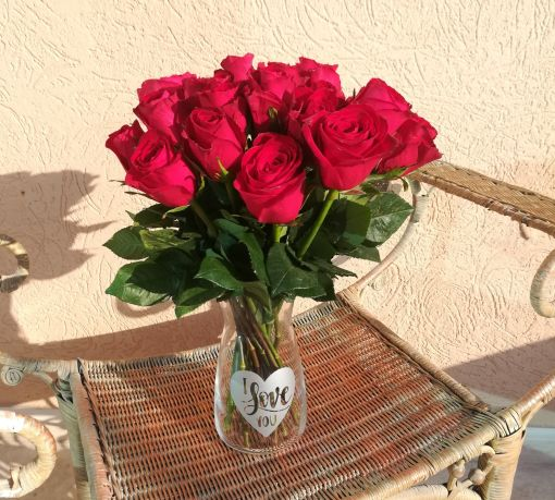 red roses and vase | Upscale and Posh