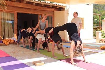 hemma_yoga-retreat_ibiza_unterricht