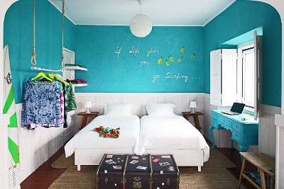 Surfcamp ericeira portugal schlafzimmer