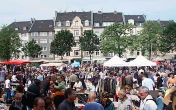 Flohmarkt in Nippes am Wilhelmplatz