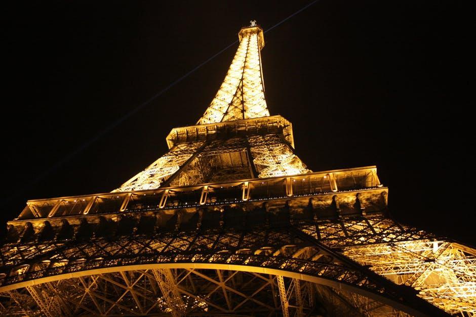 La clásica Torre Eiffel