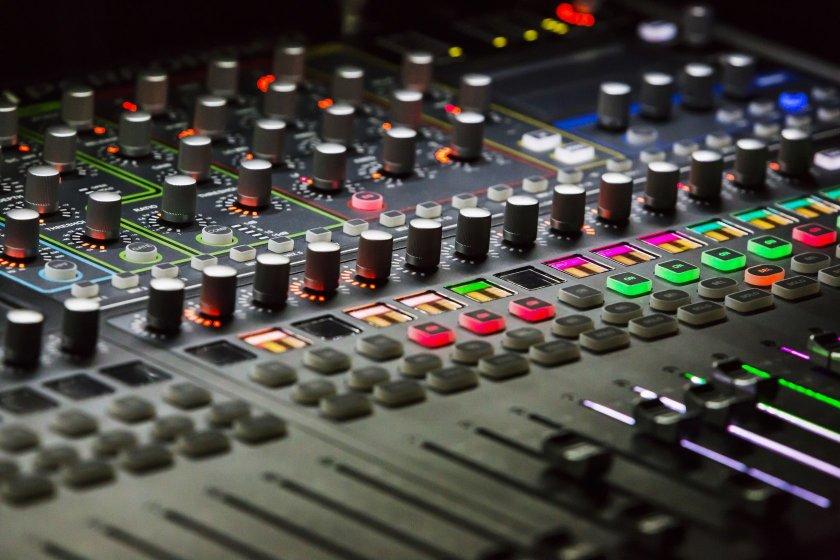 digital analog mixing