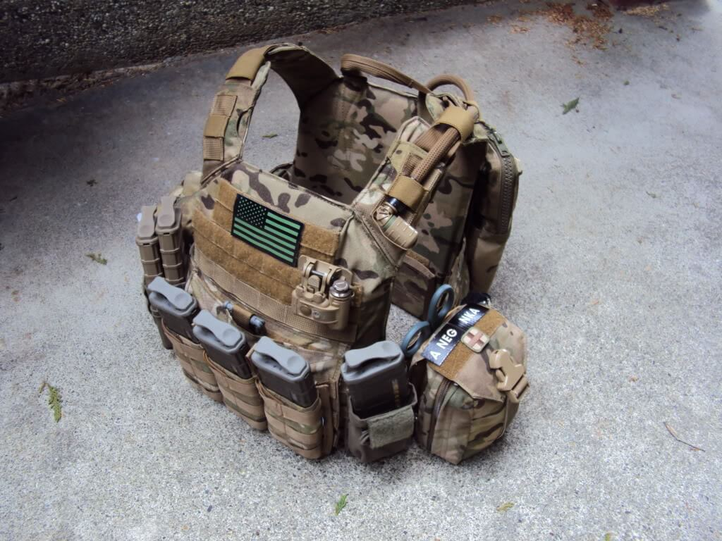 plate carrier vest for military uses