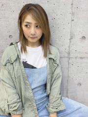 Hitomi / スタイリスト