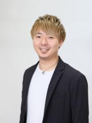 伊藤 恭平 / チーフ スタイリスト カラーリスト