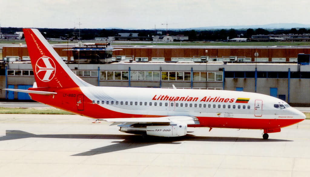 Lithuanian Airlines Boeing 737-200