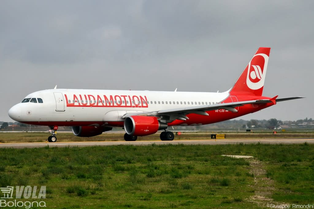 LaudaMotion  Airbus A320-200