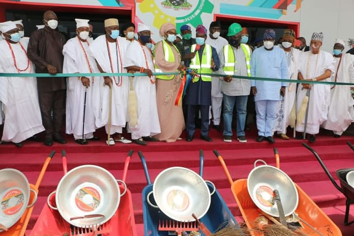 FG flags-off Extended Special Public Works in Lagos