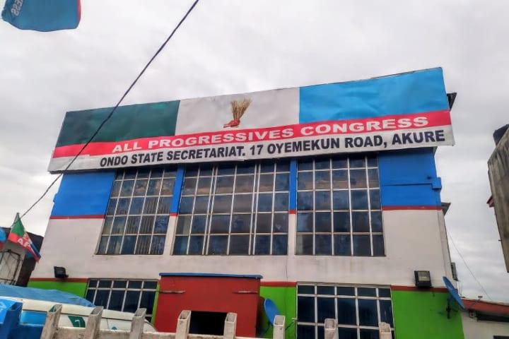 Thugs shun curfew, attack Ondo APC secretariat