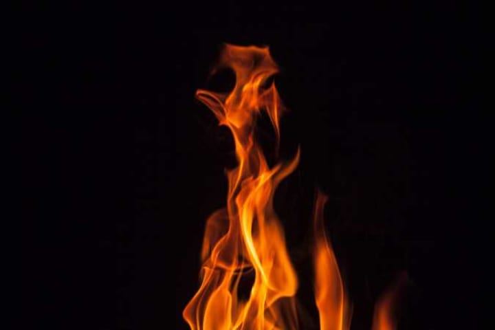 Night fire razes Kano Nursing School