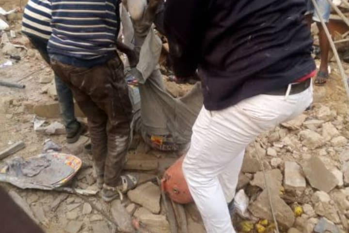 8 die as cement truck crashes into row of shops opposite AAU