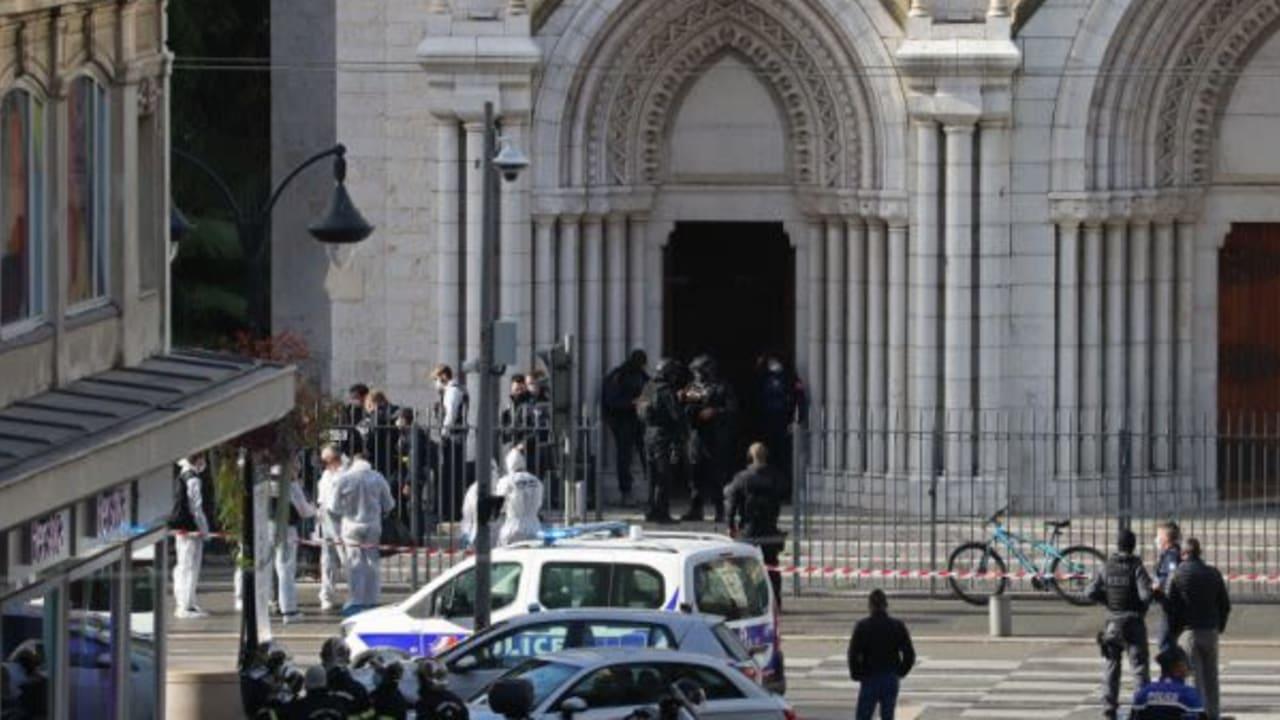 Knife attacker kills 3 in French church