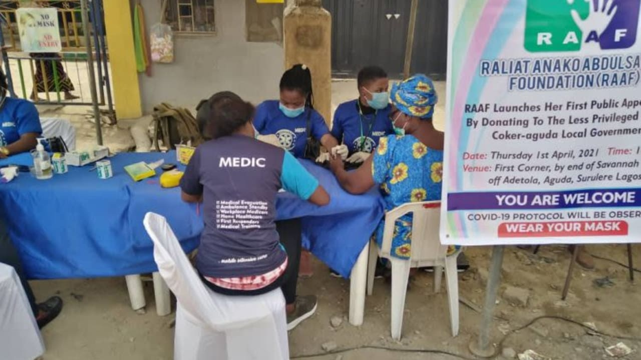 Foundation gives succour to 500 residents in Lagos