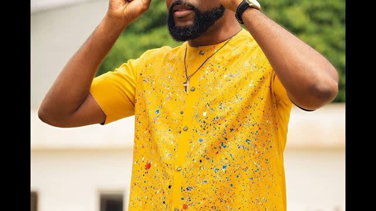 I hate taking pictures – Banky W