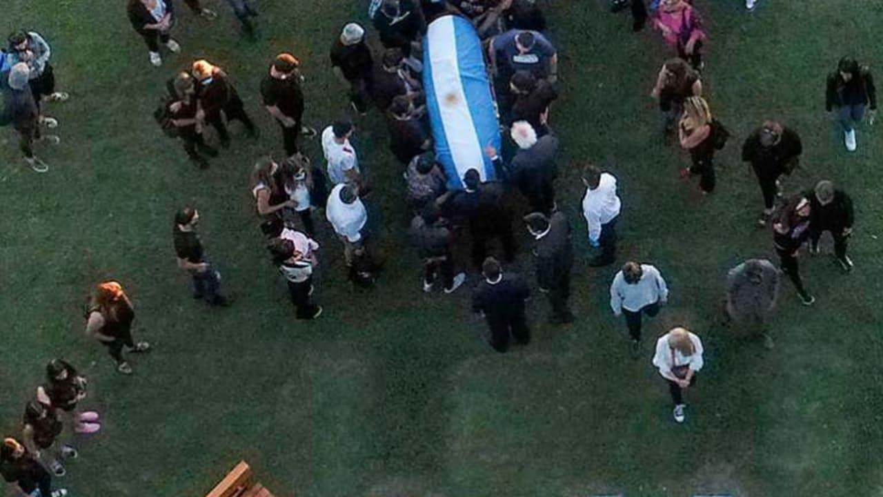 Maradona: Argentines say tearful final farewell [Photos]