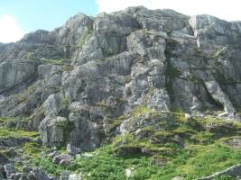 Clogwyn yr Oen. Routes climbed were Chic, by Ian,Jo, Mel,Tony. And a variation of Bent, by Nic & Jon