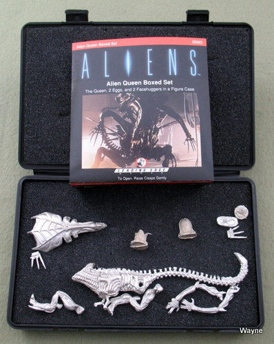 Alien Queen Boxed Set (Aliens Miniatures Collection)
