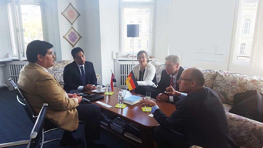 Reunión con representantes de Siemens