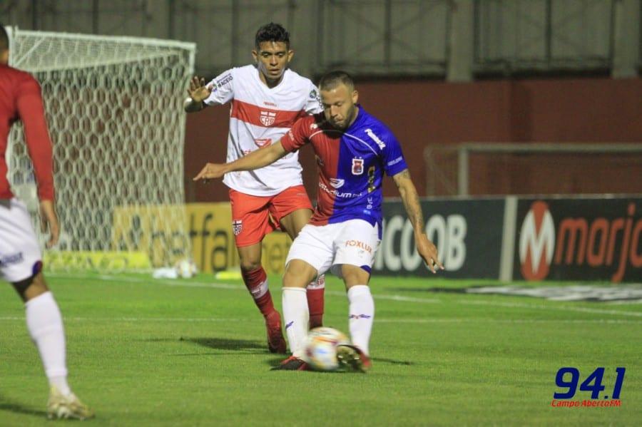 Paraná Clube vence o CRB e vira líder isolado da Série B