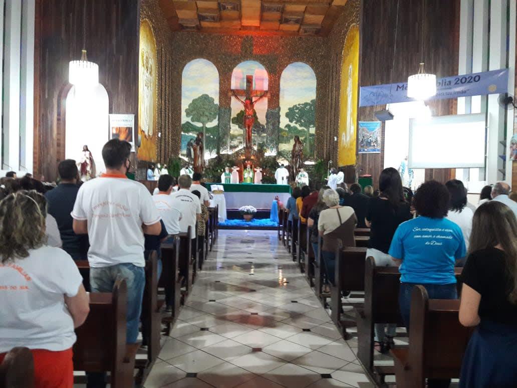 Bispo Dom Amilton da Diocese de Guarapuava Celebrou a 1ª Missa em Laranjeiras do Sul