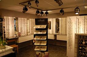 butikkinnredning butikkinteriør hos optikker