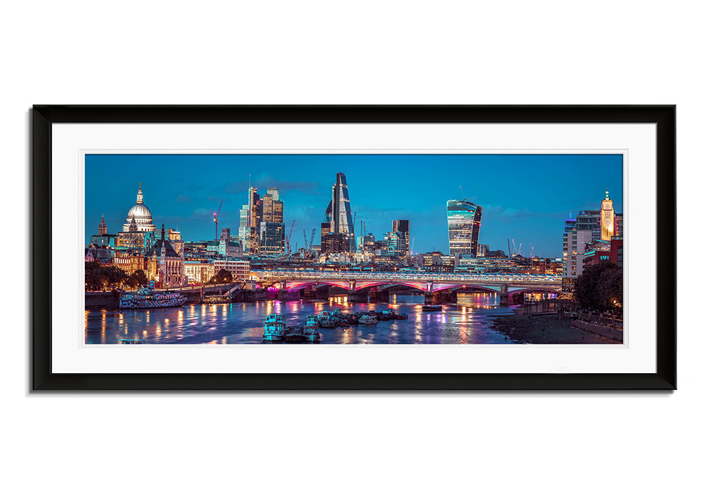 London Panoramic  by Assaf Frank