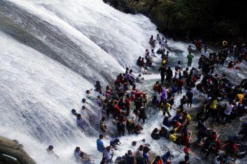 Wisata-Alam-Bantimurung-240515-Abhe-1-1024x682