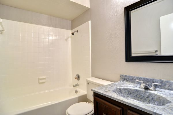 Property Image - 525 David Dr., Grand Prairie, TX, 75052