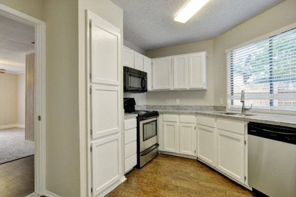 Property Image - 1419 Forest Valley Dr., Arlington, TX, 76018
