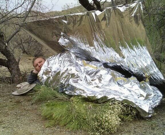 mylar blankets used for hammock insulation instead of underquilt 4 clever tricks to stay cozy while hammock camping without an      rh   exploreserac