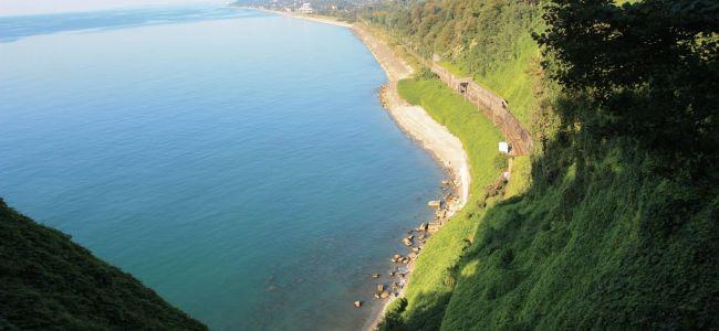 Вид из Ботанического сада Батуми на море