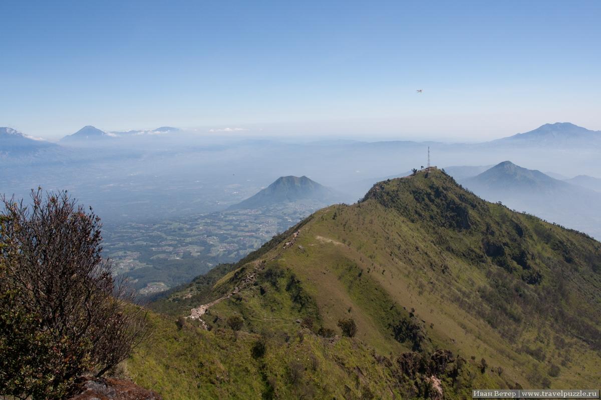 Вид со склонов вулкана Мербабу.