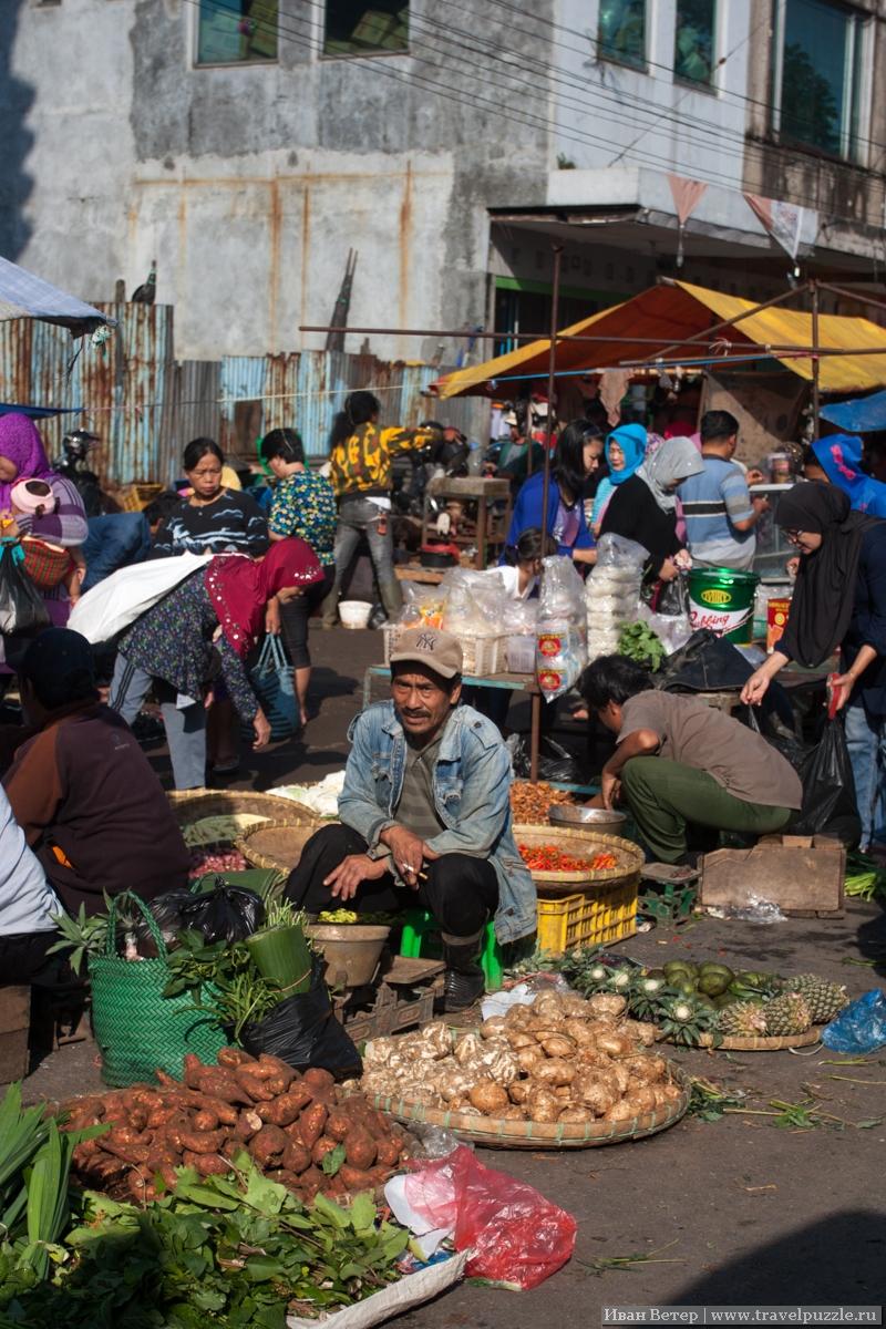 Утренний рынок и нетуристический Бандунг
