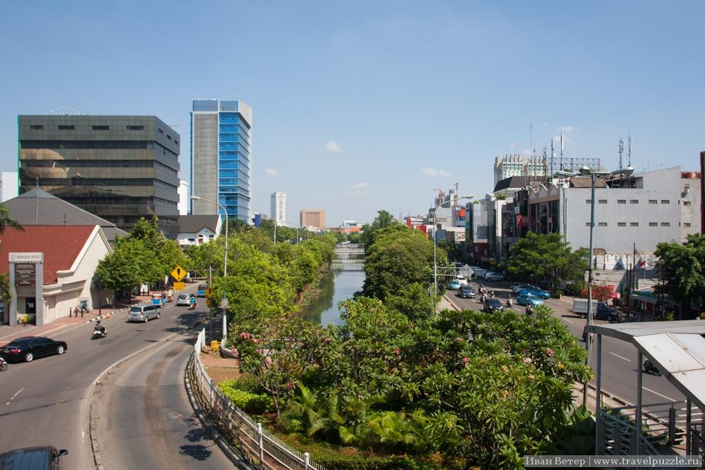 Автобусные полосы в Джакарте