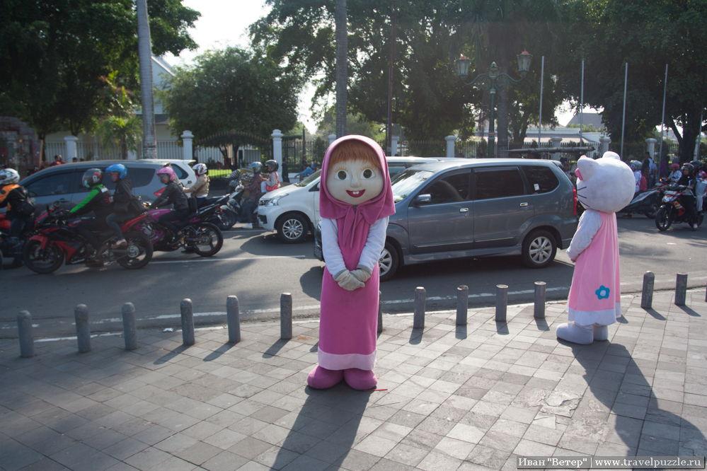 Маша и медведь популярна в Индонезии