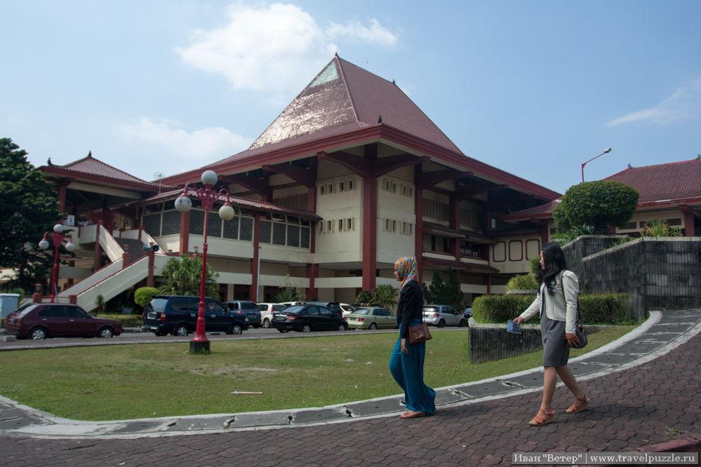 Один из учебных корпусов