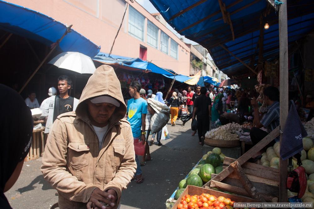 Рынок в Богоре