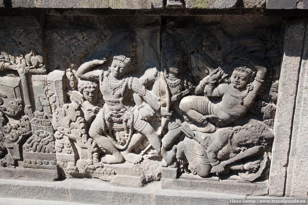 Элементы резьбы по камню рассказывают различные мифы.