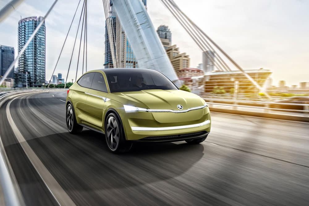In dasselbe Segment wird zukünftig auch der Skoda Vision E vorstoßen, der ebenfalls auf der Auto Shanghai seine Premiere feiert.