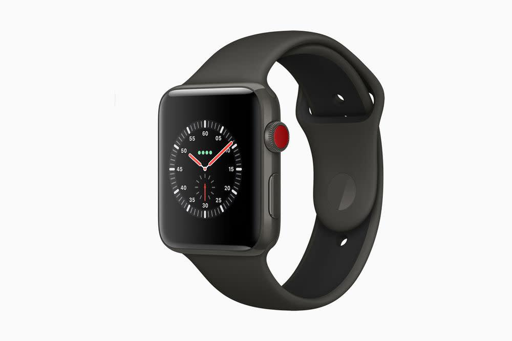 Die Apple Watch Edition wurde um ein dunkelgraues Keramikgehäuse erweitert, das mit einem neuen zweifarbigen Sportband kombiniert werden kann. Preis: ab 1399 Euro