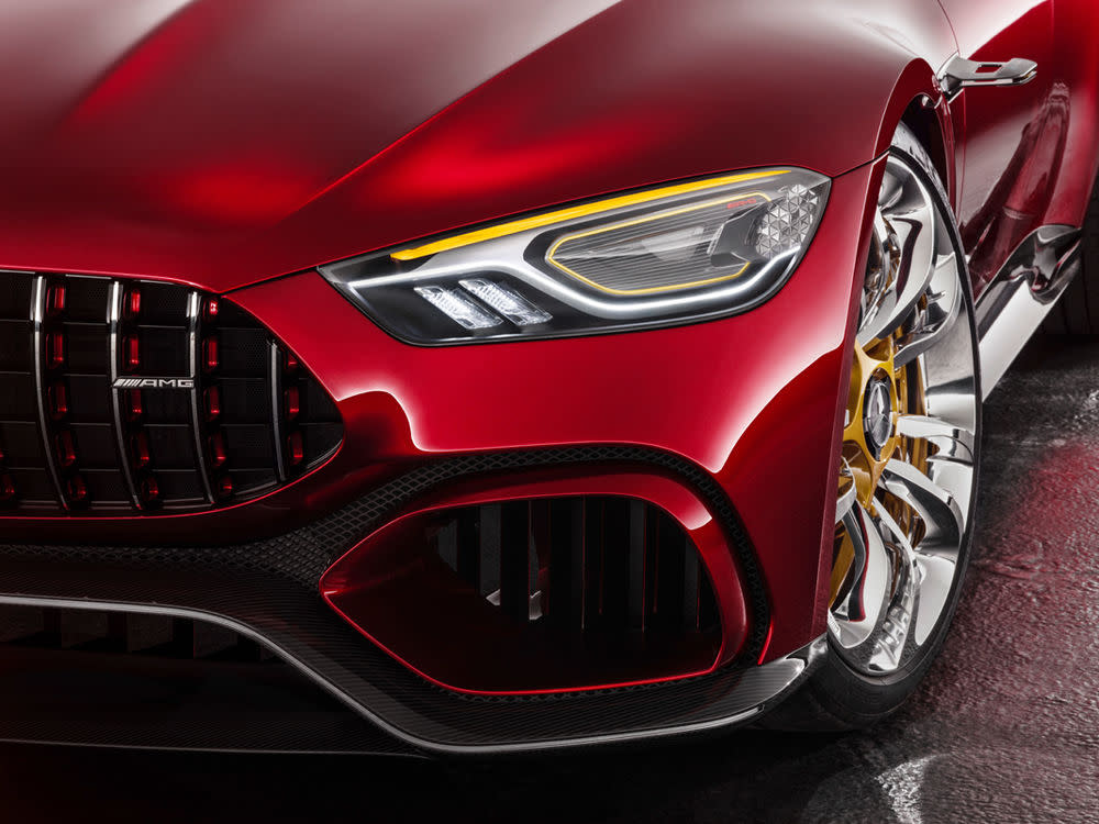 2017 gewährte Mercedes-AMG einen ersten Blick auf das, was jetzt in Genf gezeigt wird: Das ist der Viertürer GT Concept.