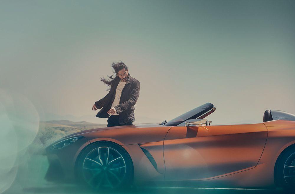 Im ersten Teaser gab es vor ein paar Wochen nur eine Silhouette zu sehen, jetzt bekommen wir den BWM Roadster in voller Pracht zu Gesicht. Und: das gefällt!