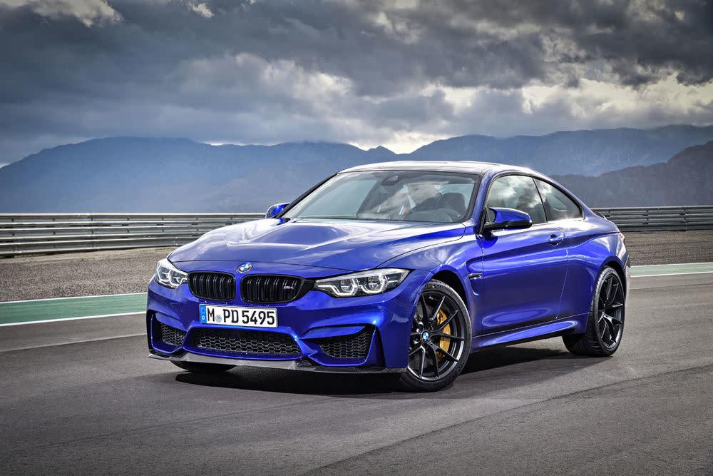 BMW zeigt in Shanghai mit dem neuen M4 CS bereits das vierte M4-Modell. Neben der M4 Basisvariante (431 PS)...