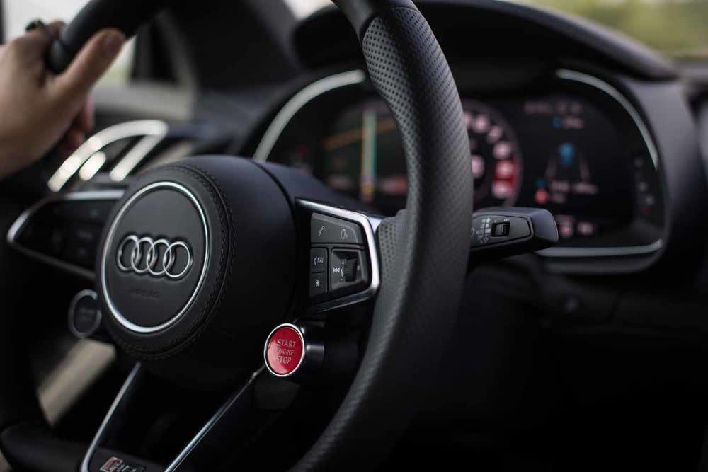 Audi R8 Coupé V10 RWS, Lenkrad
