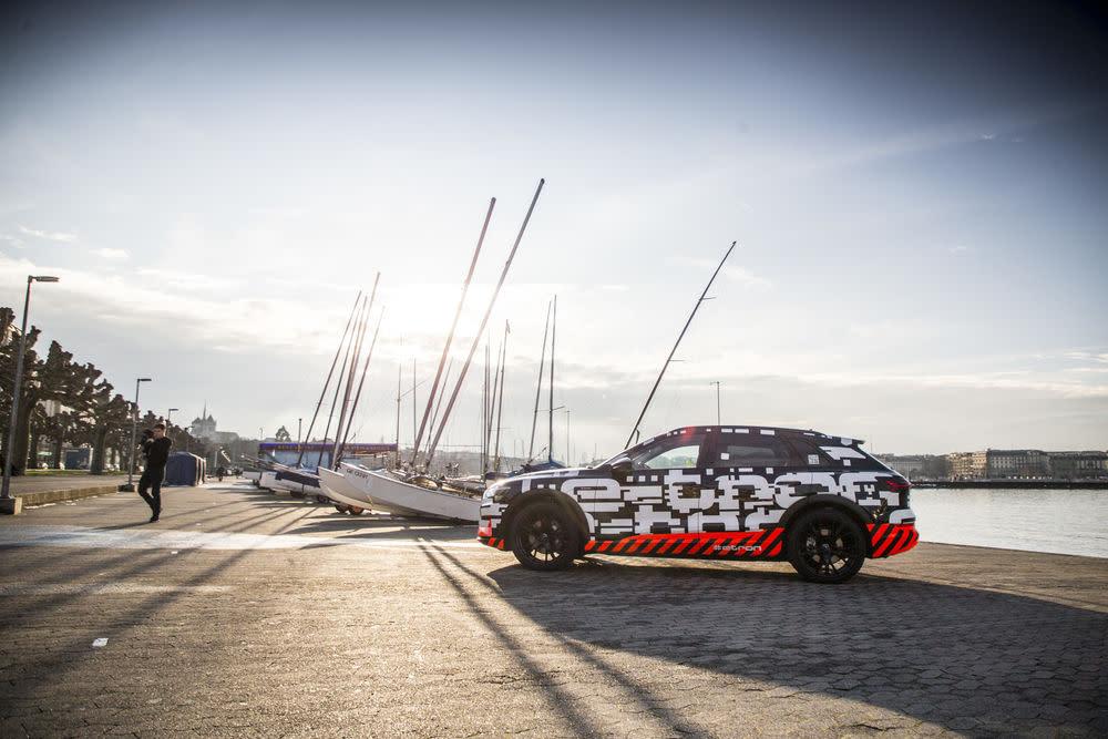 Bis zum Serienstart absolvieren knapp 250 Entwicklungsfahrzeuge weltweit Tests unter extremen Bedingungen.