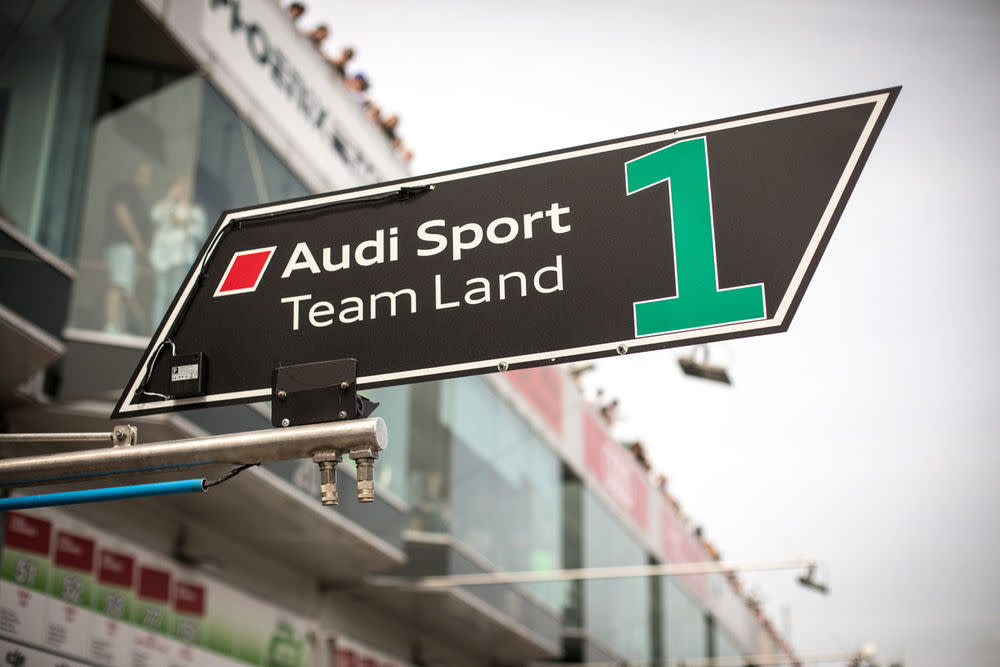 Willkommen bei den Ingolstädtern. Audi holte 2017 mit dem Team De Phillippi, Mies, Winkelhock und van der Linde im Audi R8 LMS den Sieg.