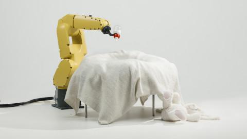 Eine Ausstellung über die Beziehung zwischen Mensch und Roboter