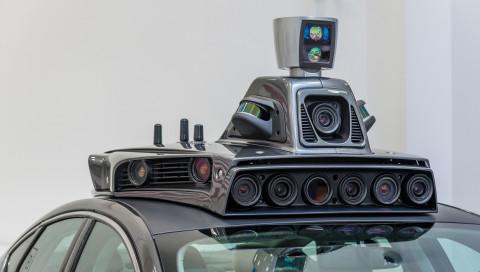 Die US-Regierung spricht sich für fahrerlose Autos aus