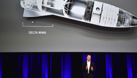 Elon Musk will Passagiere mit Raketen um die Welt schicken