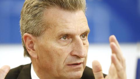 Oettinger erhält Preis für inkompetente Internet-Aussagen